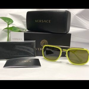 2ce7cdfbae19 NWT VERSACE 60 mm SQUARE POP CHIC 🕶 SUNGLASSES